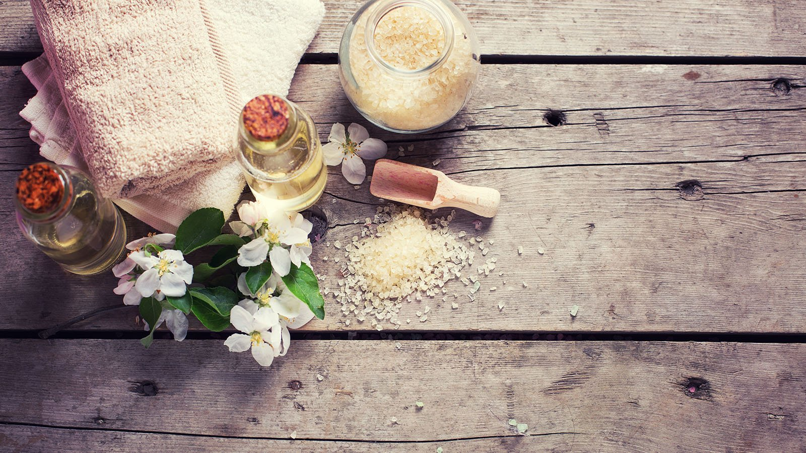 natural-therapy_542825464